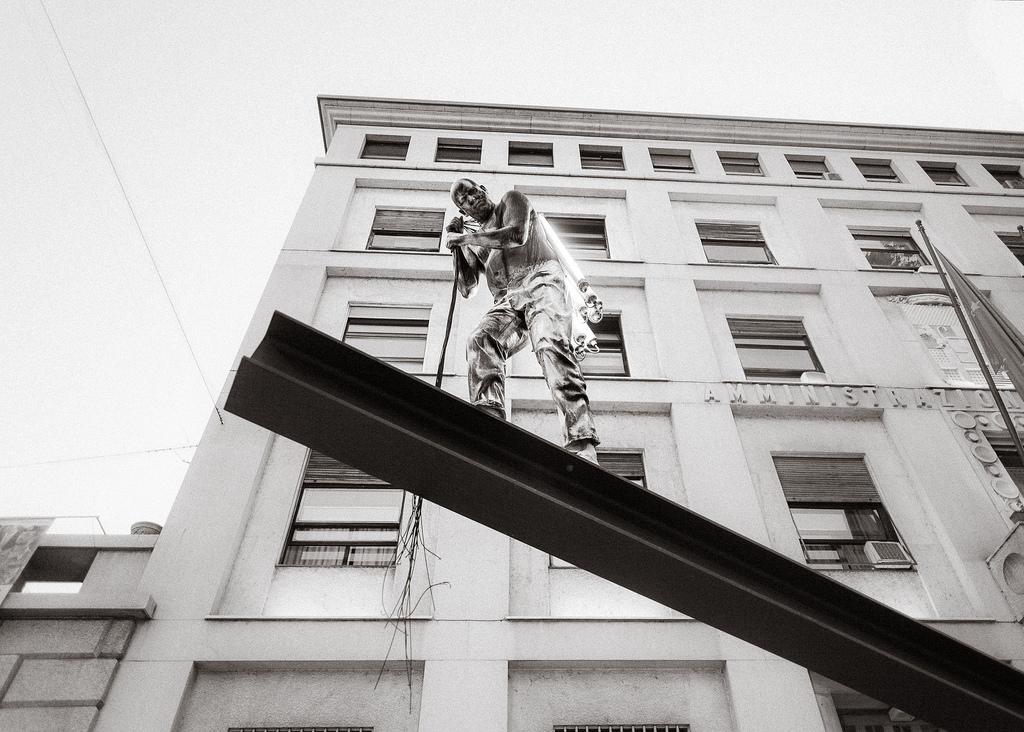 The light bearer of Milano // Italia