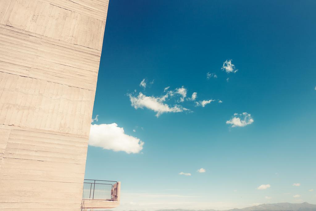 La Radieuse Cité by Le Corbusier // France