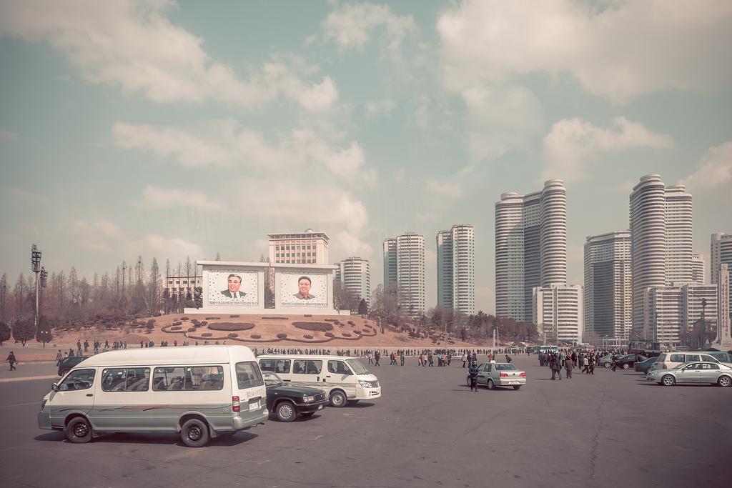 'New dubai' in PyongYang - North Korea - La Dent de L'Oeil [OC][2048x1378]