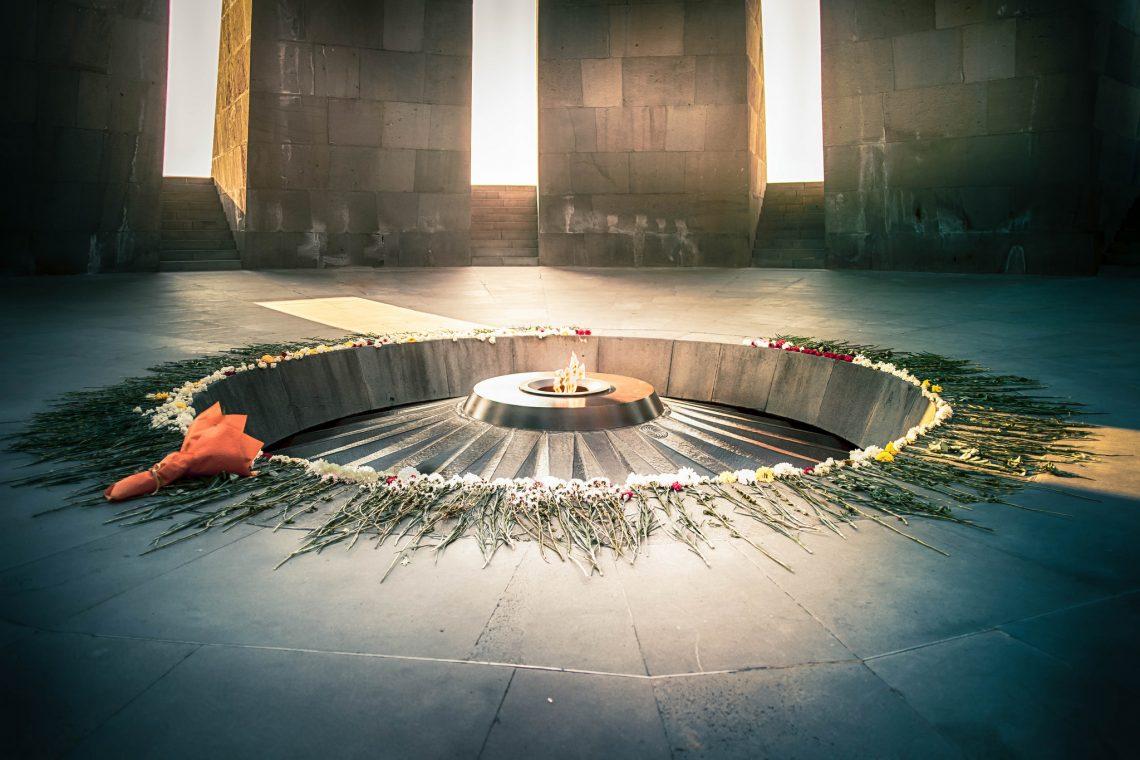 Tsitsernakaberd 's memorial // Armenia