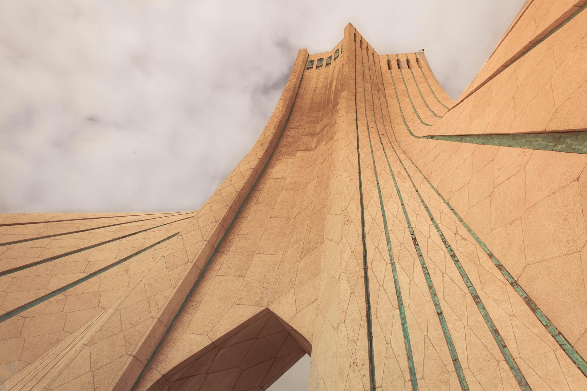 Azadi Tower // Iran - La Dent de L\u0027Oeil