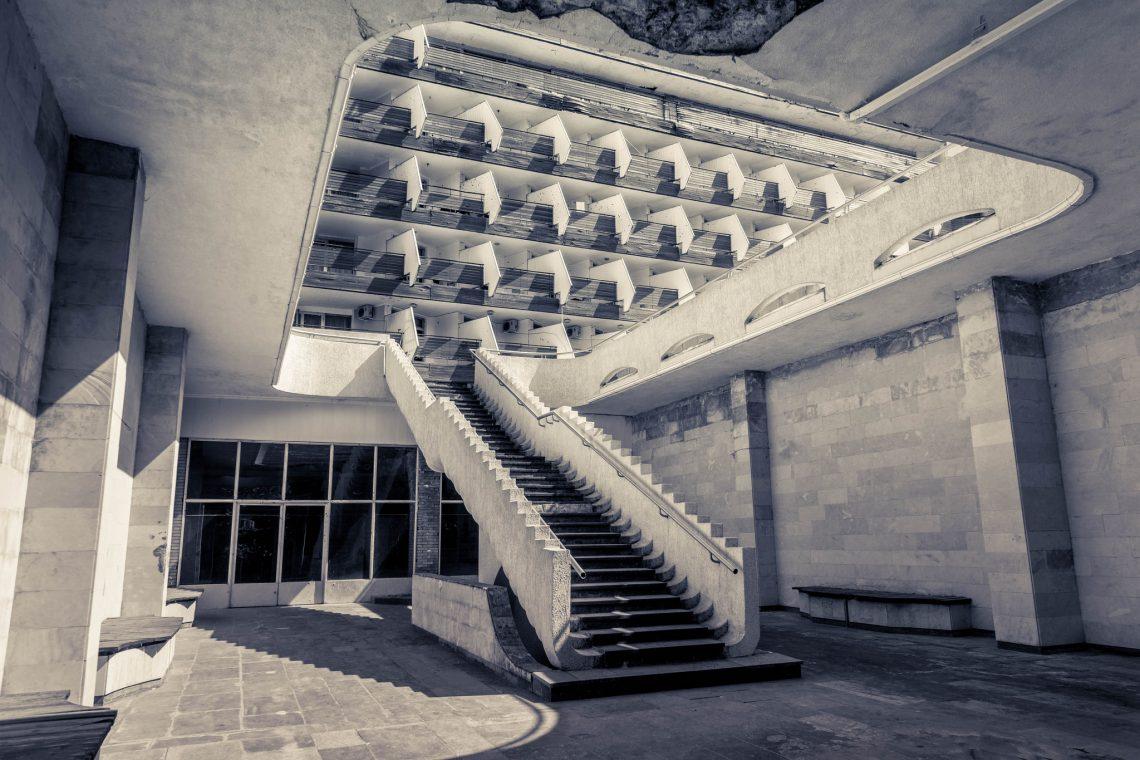 Soviet modernism – Sana Sanatorium  // Abkhazia